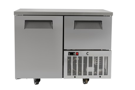 BAF01FRZ  325lt 1½ Door Under Bar Freezer